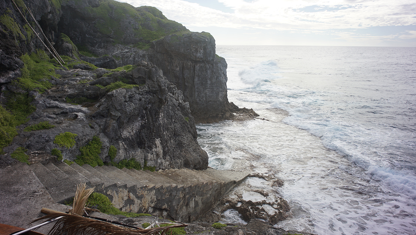 Sail to Alofi, Niue picture